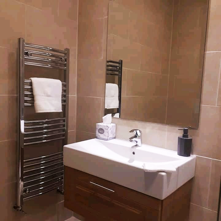 Ballyhoura Escape bathroom
