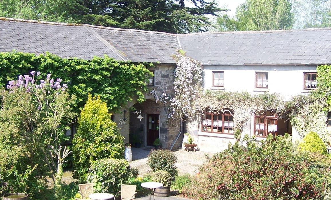 Ballinacourty House & Restaurant