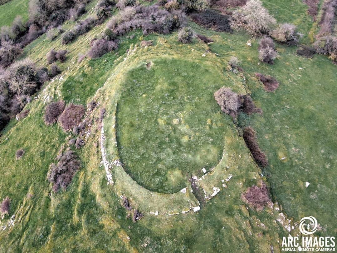Carraig Aille Hill Arc Images 1