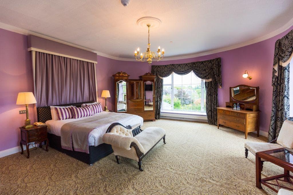 Castle Oaks Hotel 2
