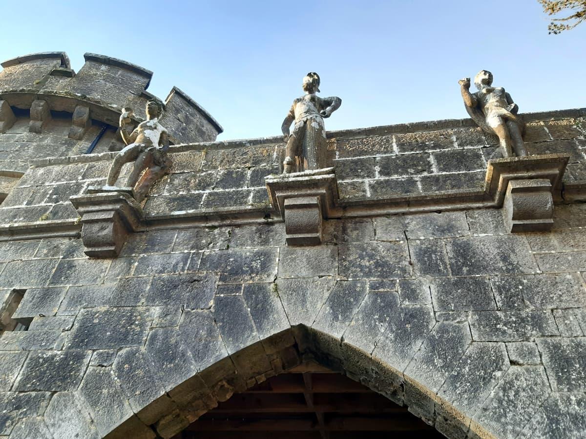 Castlegarde Castle 1