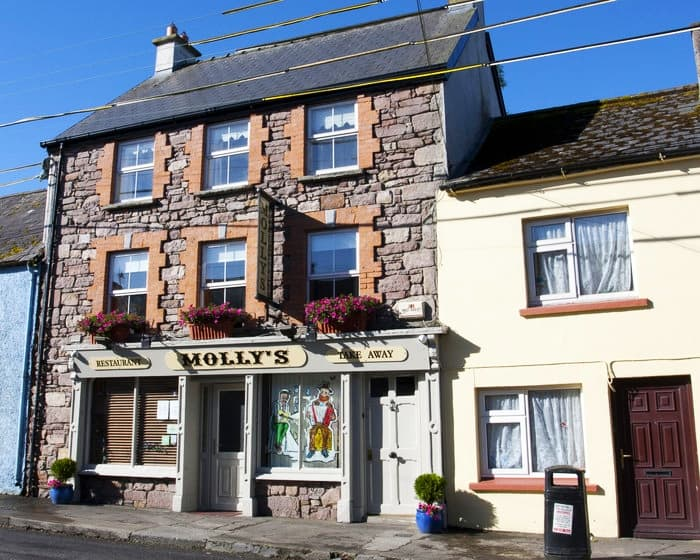 Mollys Restaurant 6