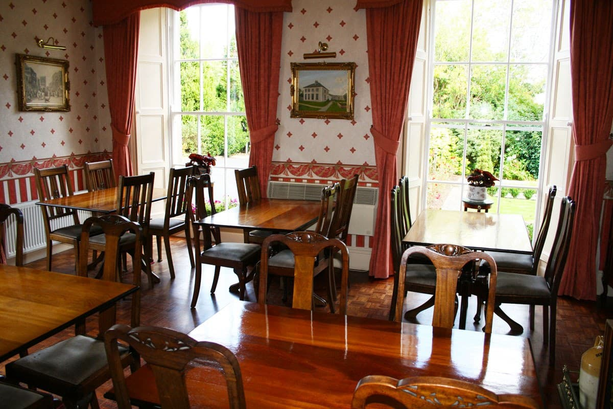 Deebert house bb dining room